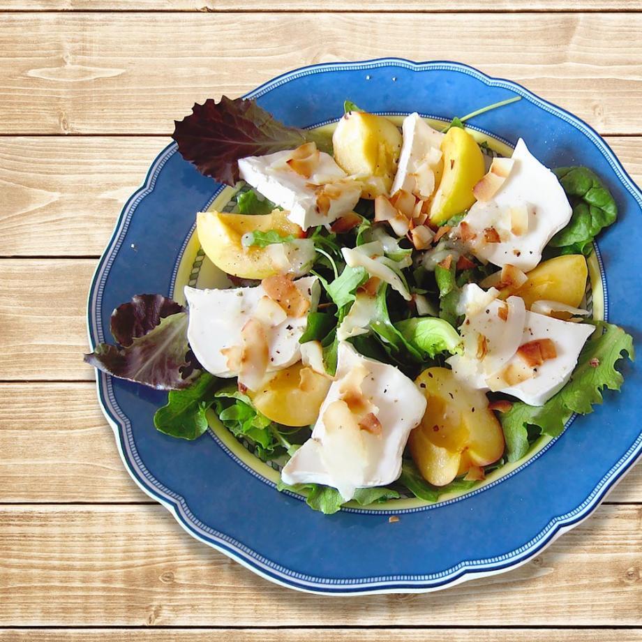 Sommersalat mit Kokosflakes