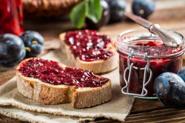 Pflaumen-Marmelade mit Zimt