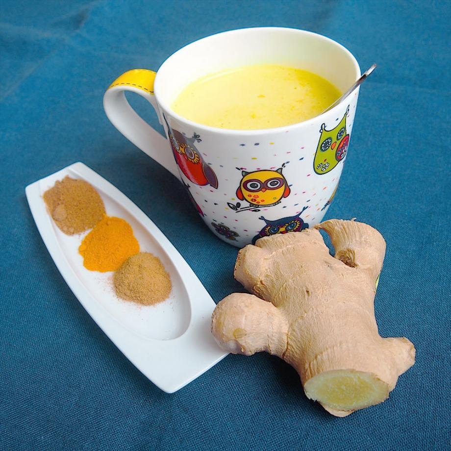 """""""Goldene Milch"""""""