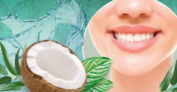 Ölziehen mit Bio-Kokos-Mundziehöl