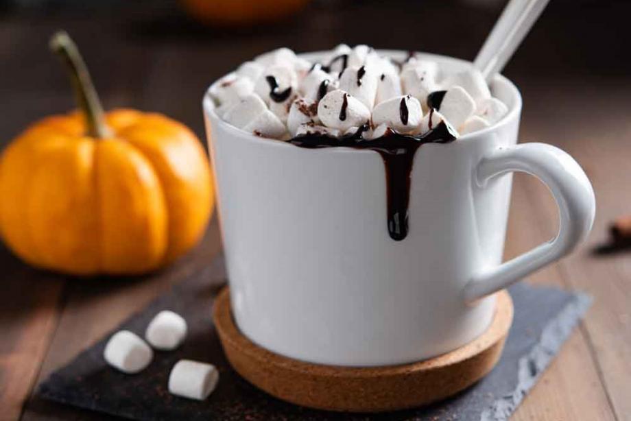 Heiße Marshmallow-Schokolade