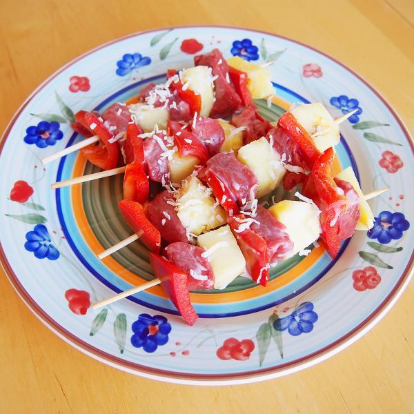 Ananas-Fleisch-Spieße