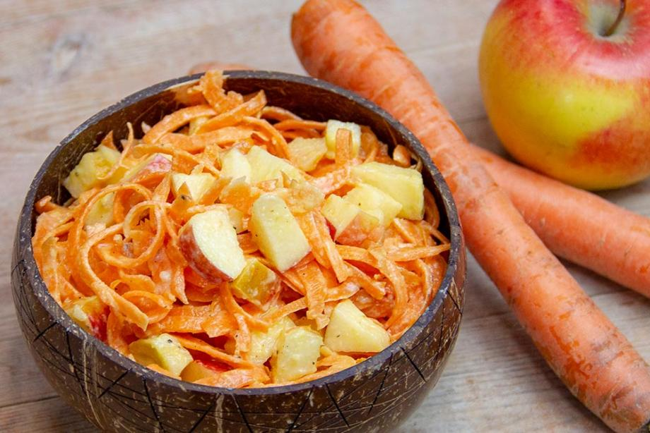 Rezept: Veganer Möhrensalat mit Mandelmus | Dr. Goerg | Dr