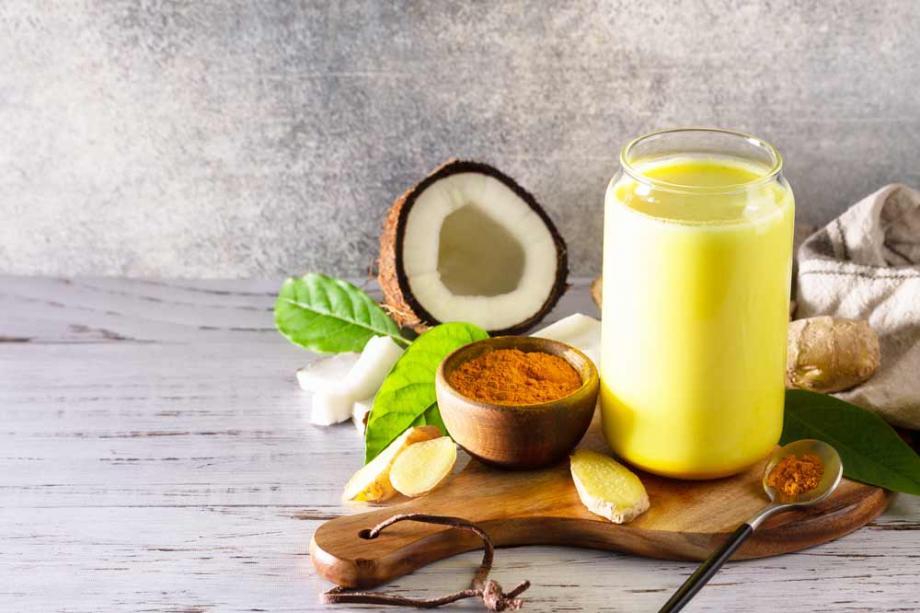 Goldene Milch: Rezept mit Kokos & Kurkuma