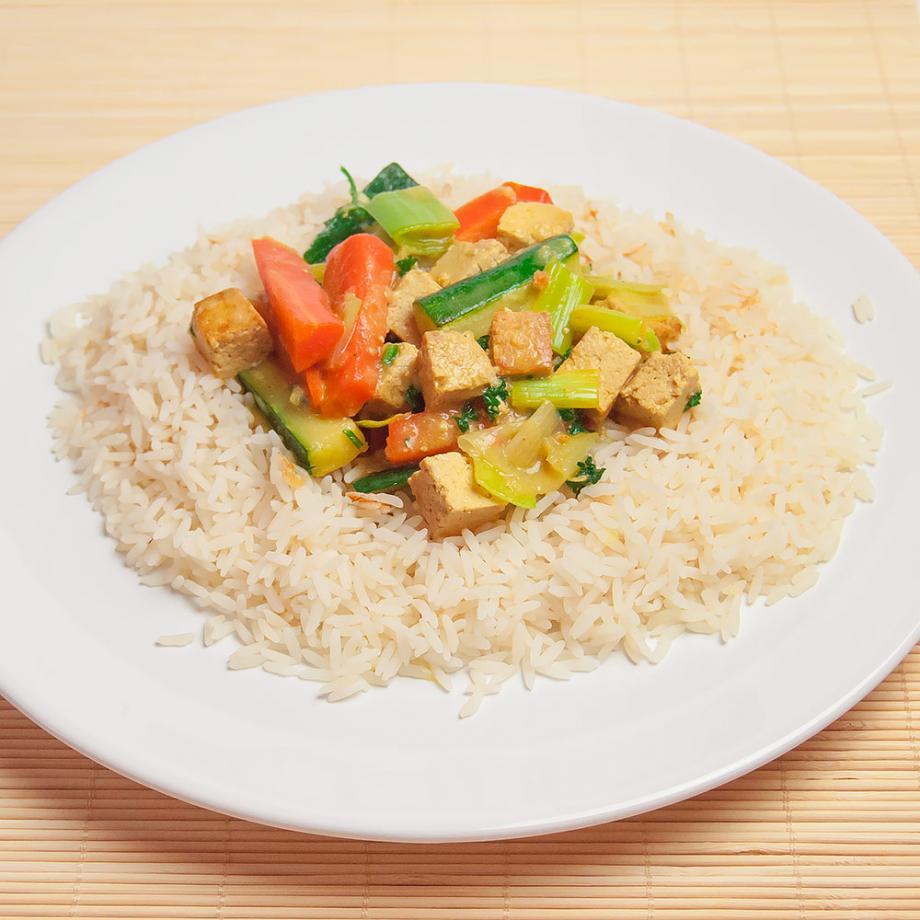 Veganes Gemüse-Kokos-Curry mit Tofu
