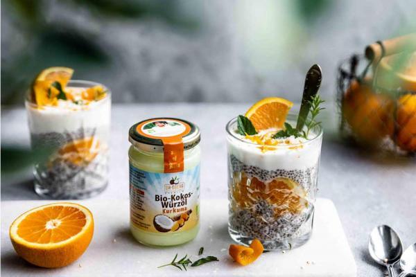 Kokos-Chiapudding mit Orangen