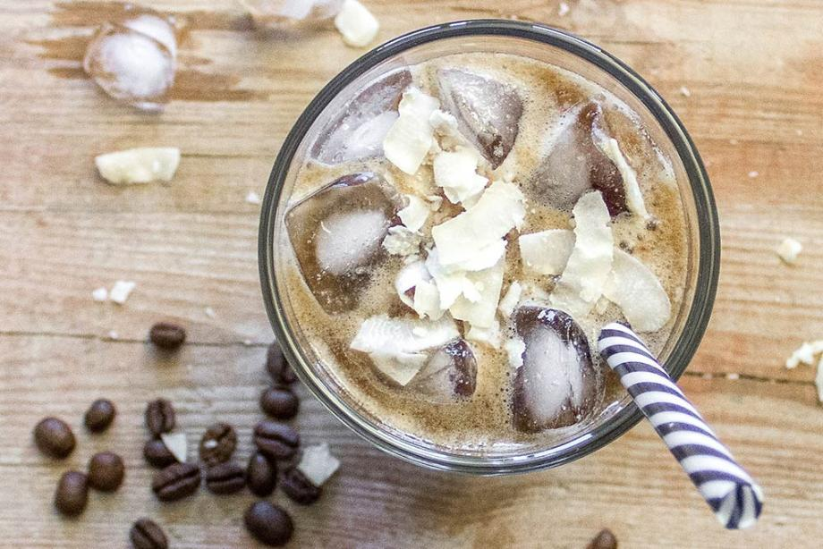 Kokos-Bananen-Eiskaffee