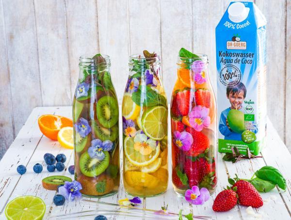 Infused-Summer-Cocktails mit Kokoswasser