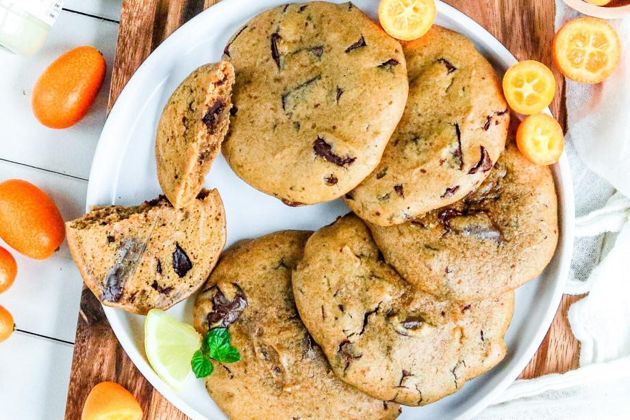 Soft-Baked Chocolate-Chip-Cookies