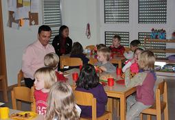 """Leuchtende Kinderaugen in der """"Villa Kunterbunt"""""""