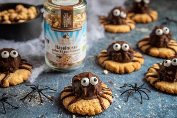Halloween-Kekse mit selbstgemachten Rocher-Kugeln