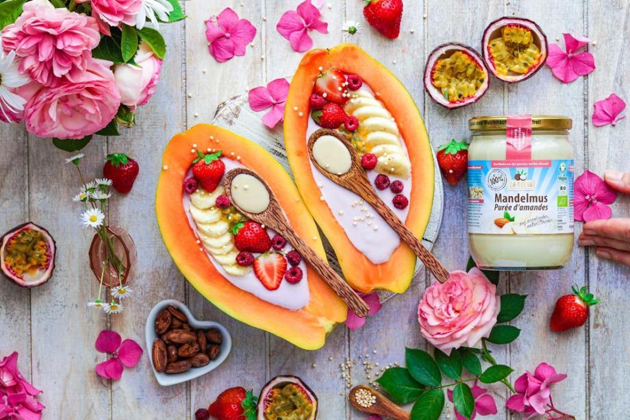 Papaya Joghurt Boats