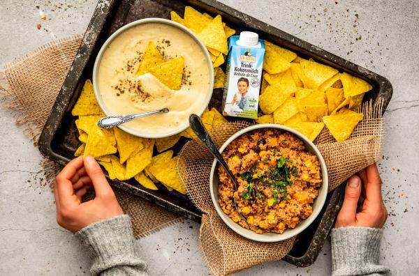 Quinoa-Jalapeno-Eintopf mit veganen Cheesy Nachos