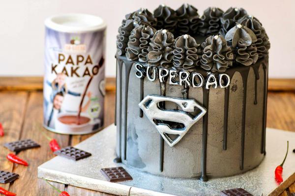 Vegane Vatertags-Torte mit Haselnuss-Schokocreme