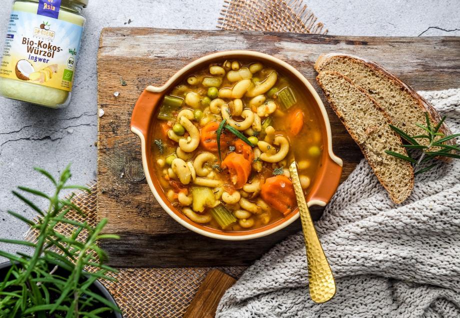 Italienische Minestrone-Gemüsesuppe