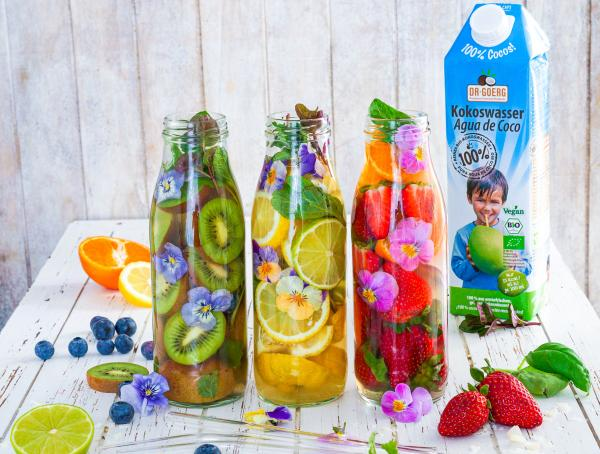 Fruity Summer-Cocktails mit Kokoswasser