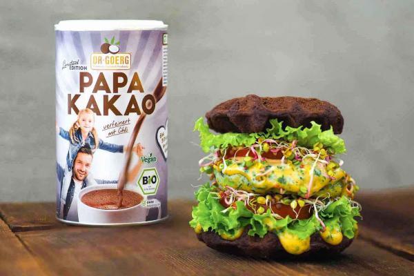 Schokoladiger Waffel-Burger mit Kakao