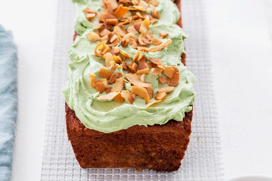 Kokos-Kuchen mit Matcha-Frosting