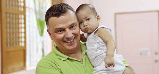 Dr. Goerg übernimmt Patenschaft für 20 philippinische Kinder