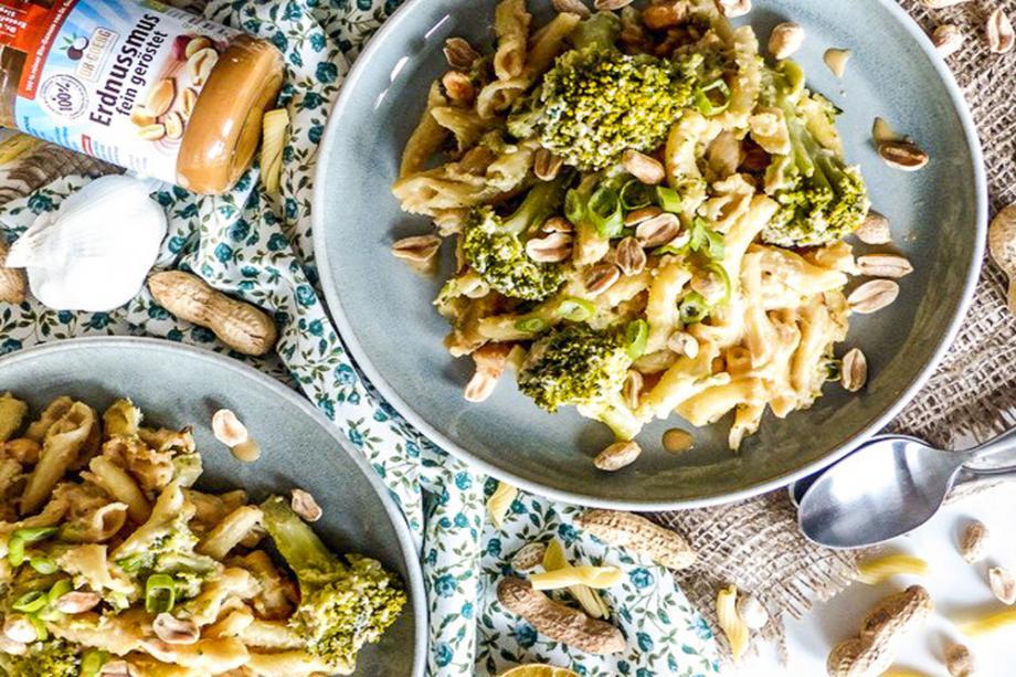 15-Minuten-Pasta mit Erdnuss-Soße