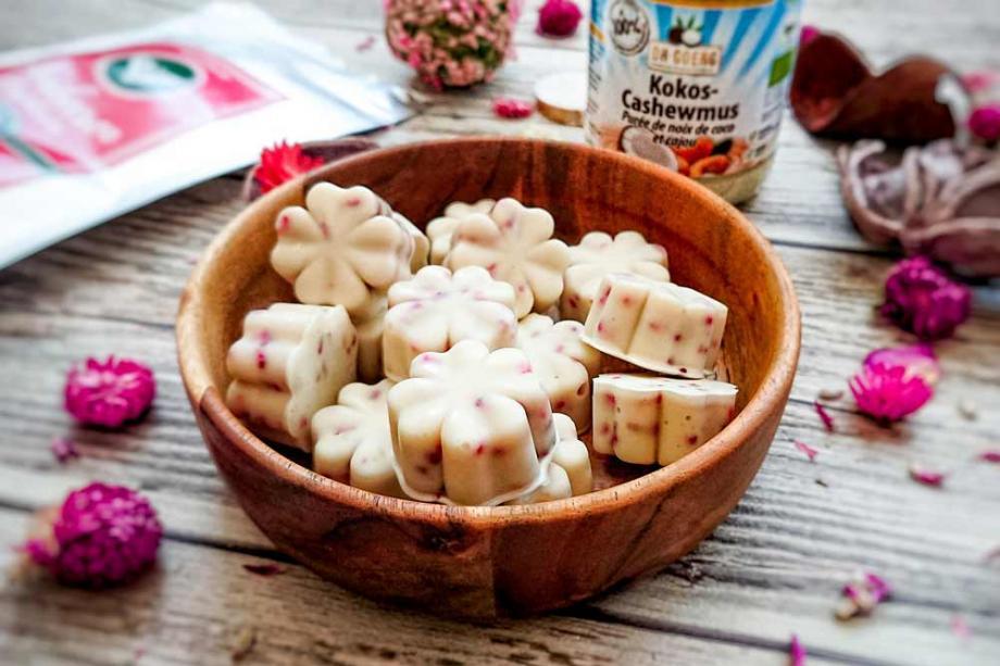 Kokos-Himbeer-Pralinen