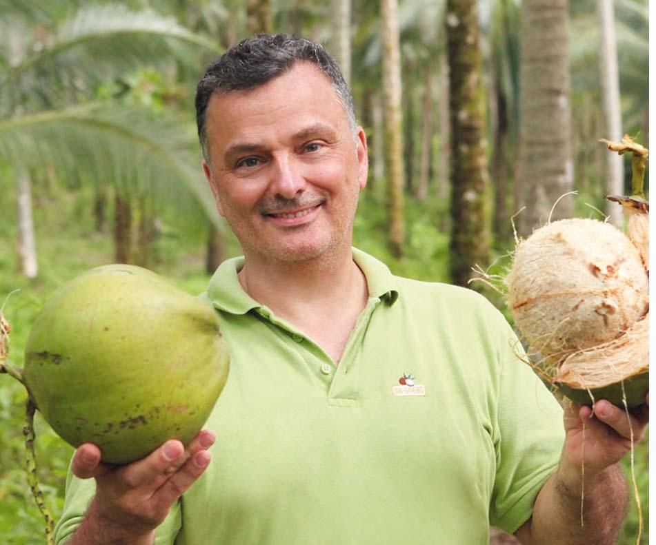 So kommt die Kokosnuss ins Glas