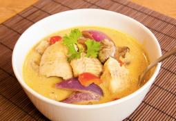 Pescado con champiñones al curry
