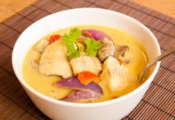 Fischcurry mit Champignons
