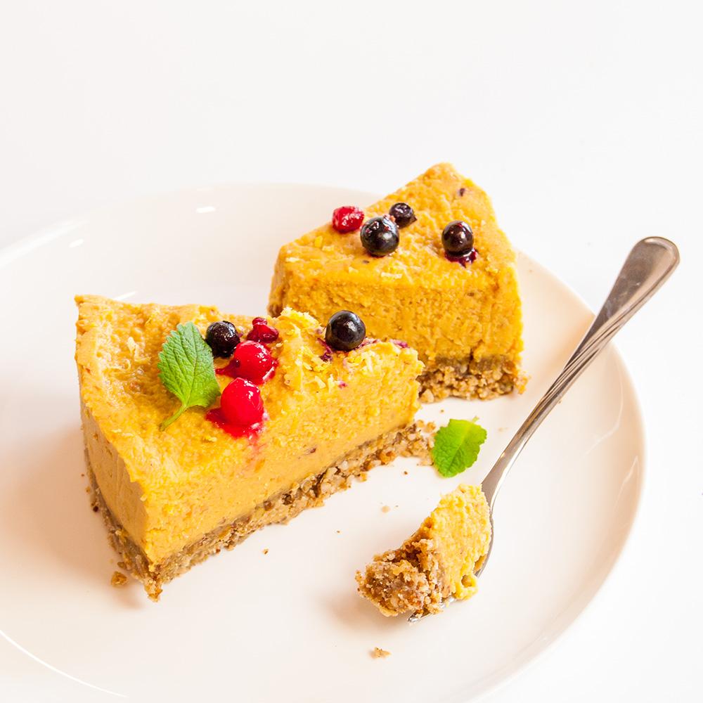 Roher fr chte kuchen mit mango und aprikosen dr goerg for Kuchen unterschrank 150 cm