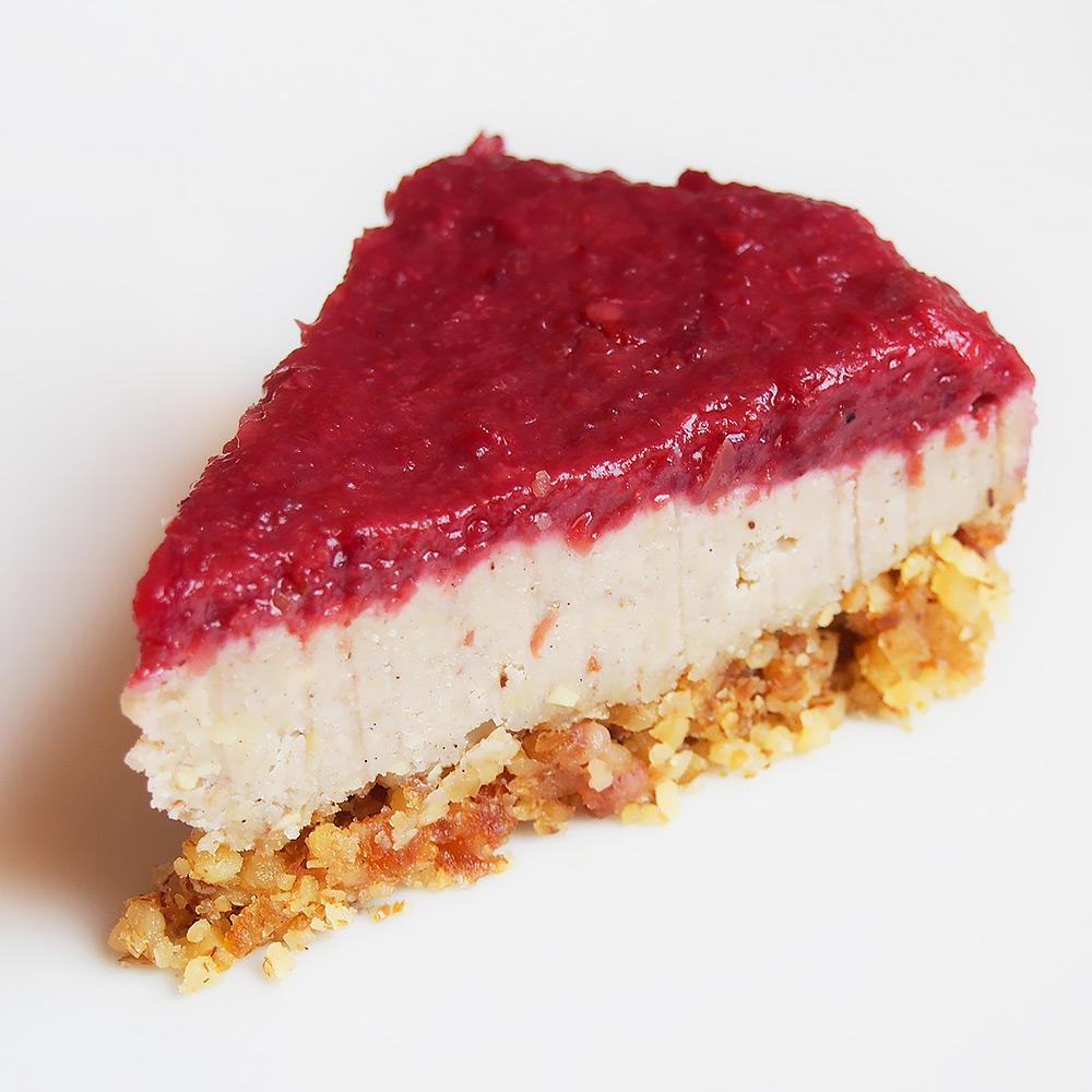 Roh-veganer Kirsch-Käsekuchen