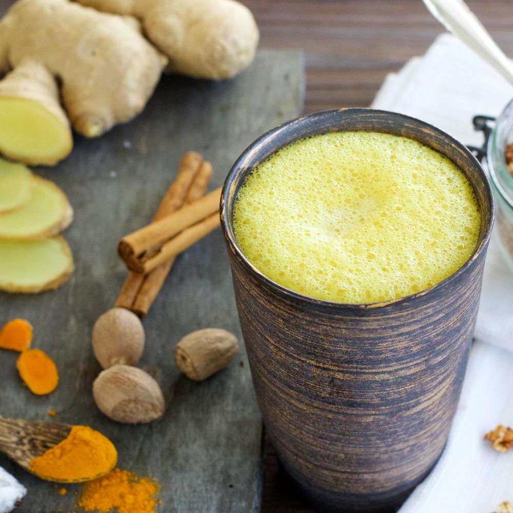 Goldene Milch mit Bio-Kokosöl
