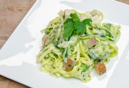 Zucchini-Spaghetti Rezept à la Carbonara